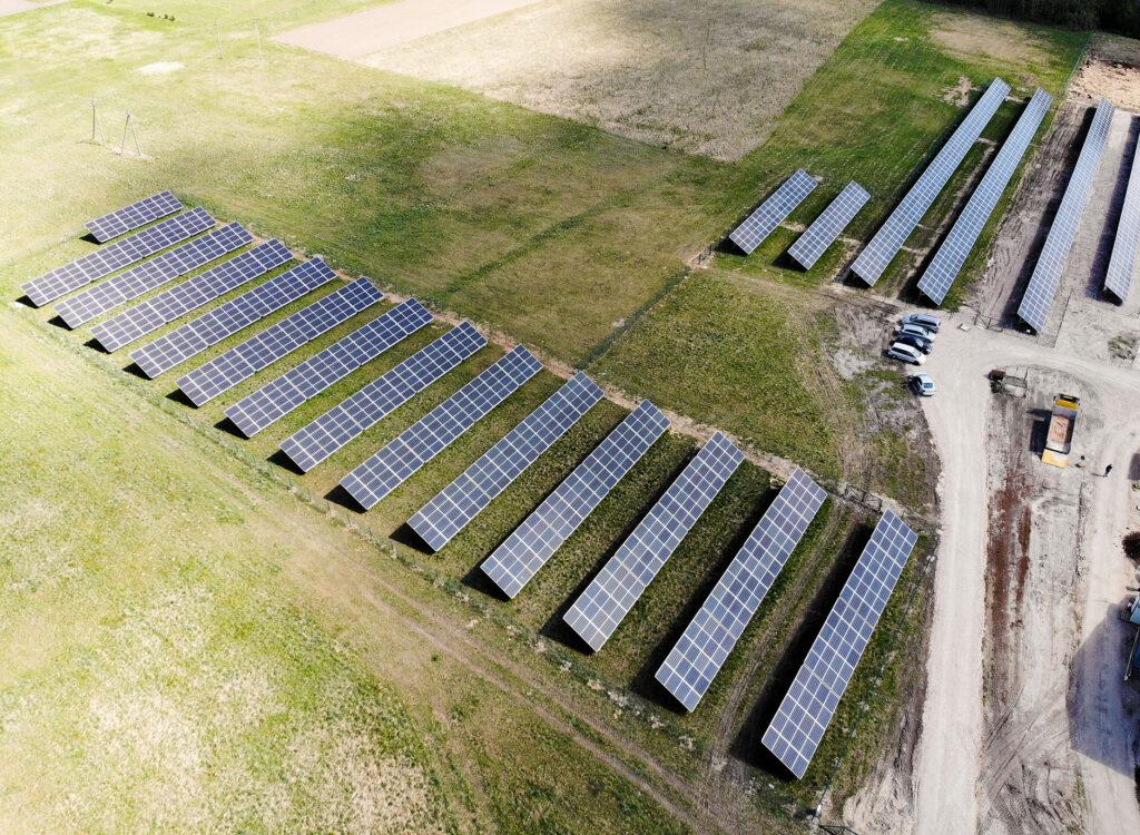 Suntech saulės modulių elektrinės ant žemės