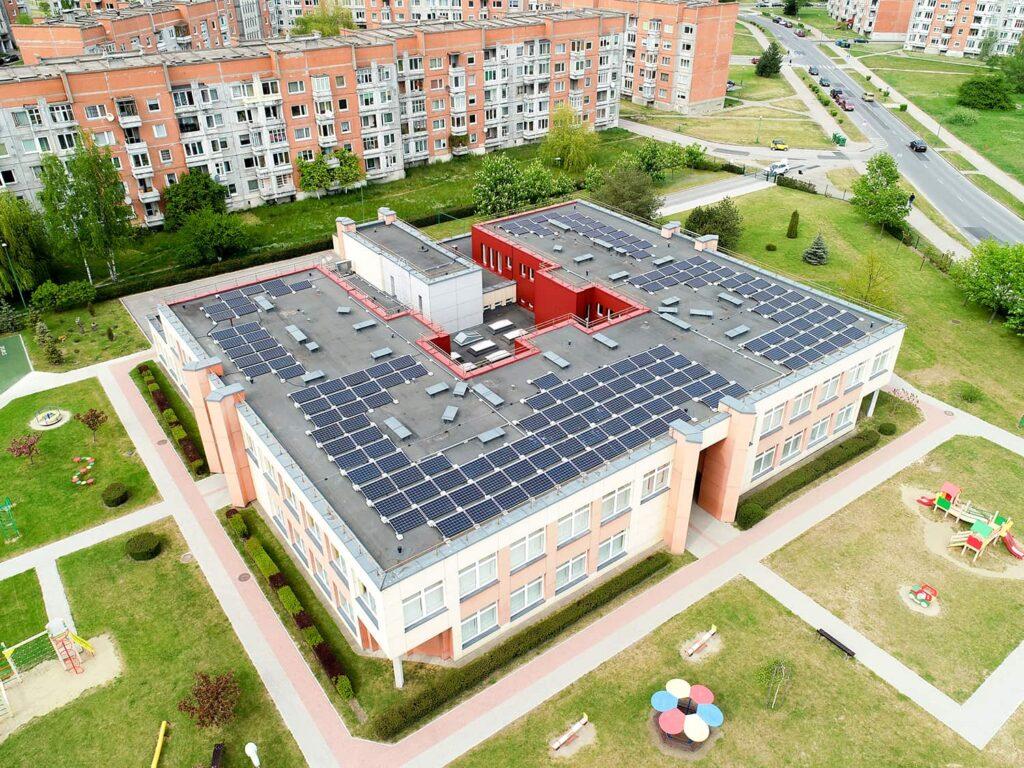 Klaipėdos Ąžuoliuko darželis su saulės elektrinėmis