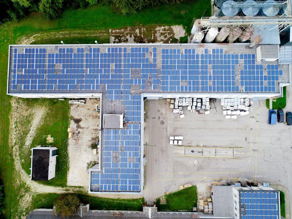 Saulės elektrinės Biofabriko įmonei iš paukščio skrydžio