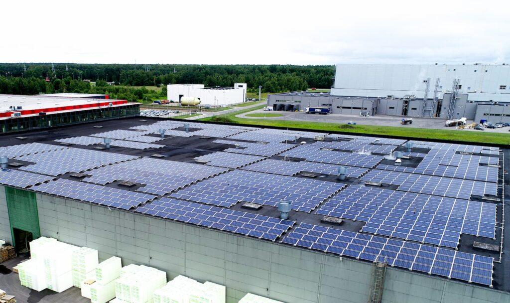 Saulės elektrinės su geriausio tipo moduliais skirtais FinnFoam įmonei