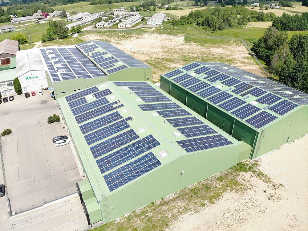 UAB Hoda saulės elektrinės ant stogo