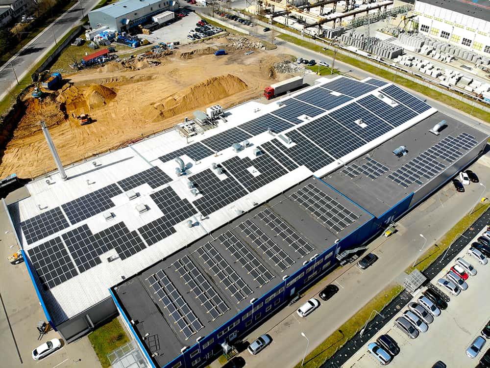 Eternia solar saulės elektrinės ant stogo