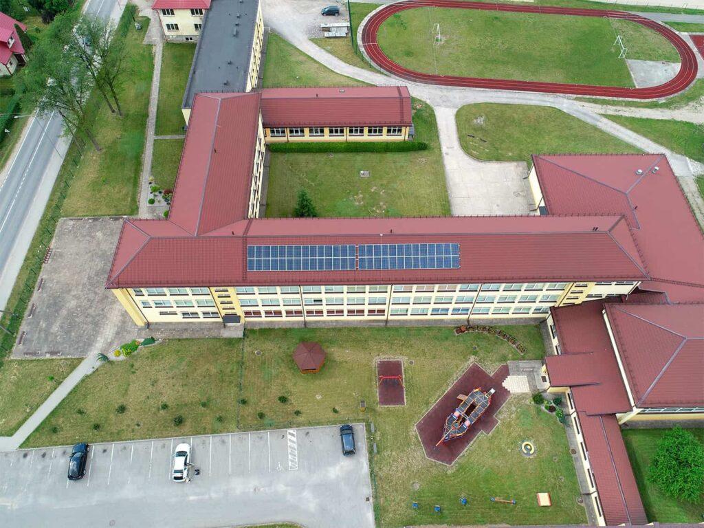 Saulės elektrinės ant Žygaičių gimnazijos stogo